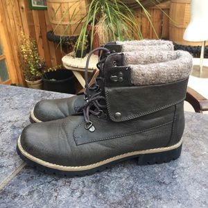 Rampage boots- size 9